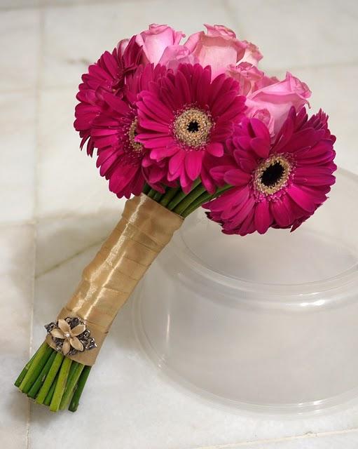 Букет из роз и герберов своими руками