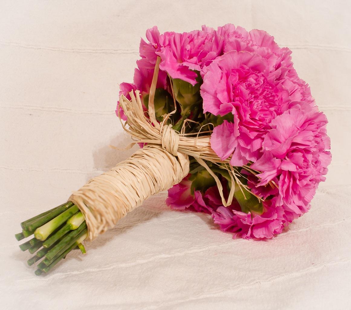 Фото букетов цветов с гвоздиками